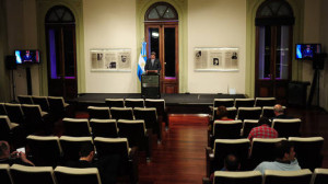 Conferencia de prensa sin prensa Scoccimarro-Monachesi_Clarín_20131101_0240_24